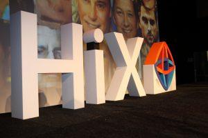 Piepschuim 3D letters op podium tijdens congres